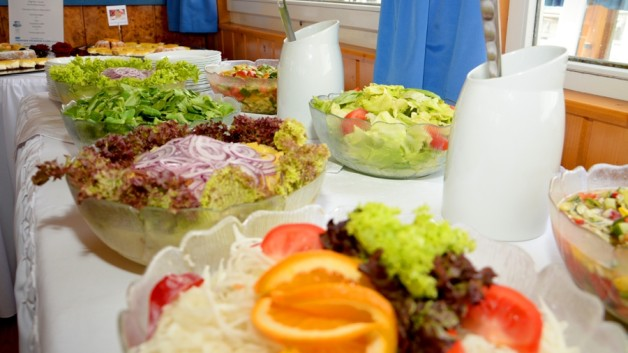 https://drescher-touristik.at/wordpress/wp-content/uploads/2014/02/Muttertagsbuffet-Salatbuffet-2015-4-628x353.jpg