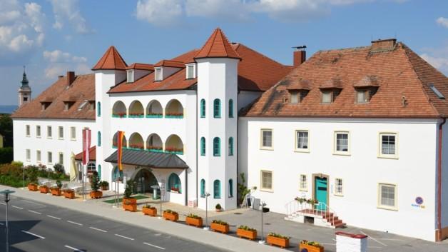 Hotel am Greiner Übernachtung Rust Schlafen essen trinken Wellness Neusiedler See Tourismus
